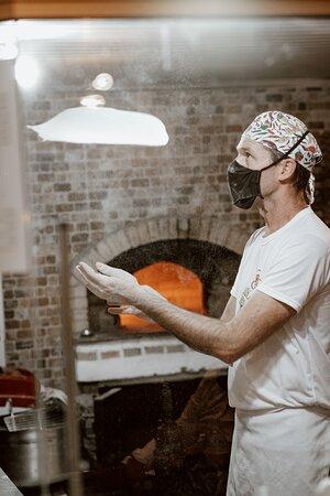 Criciuma: Pizzaiolo italiano Roberto Olivati.