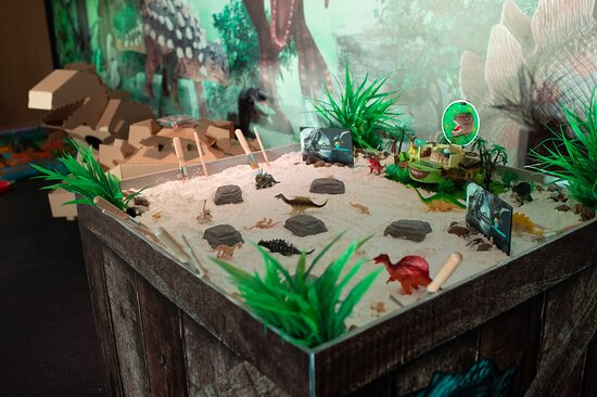 HYdeout - Dinotopia activity booth