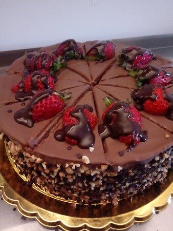 jagodna čokoladna tortica