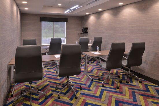 Boardrooms available for your business meeting needs