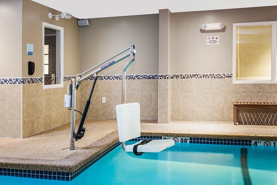 Swimming Pool with Accessible Pool Lift
