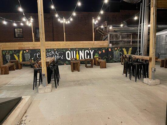 Quincy, IL: The Garden