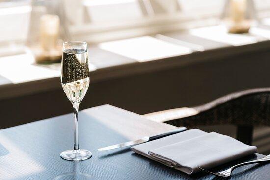 The Alverton Champagne