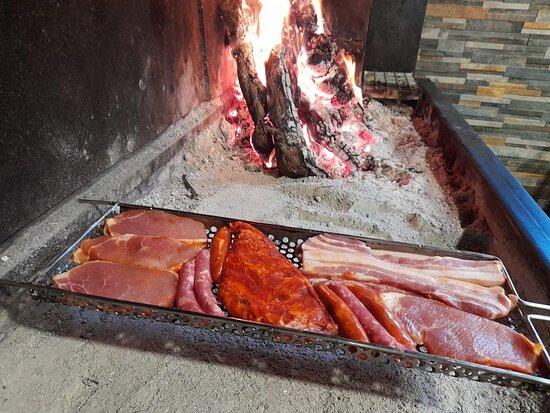 """Valladolid, Spain: El Lagar de Traspinedo: Os ofrece diferentes tipos de carnes a la brasa """" con Sarmiento"""" ...🔥🔥🔥"""