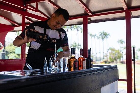 José Rafael Revenga, Venezuela: Ven  y descubre los secretos de nuestra cocteleria en la Ruta Santa Teresa.