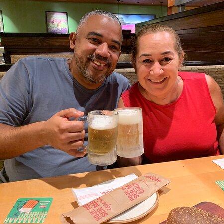Uma passagem rápida pelo Shopping Recife e uma paradinha na Outback Steakhouse para saborear um chopp gelado e degustar um petisco da casa.