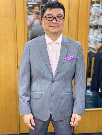 #samsmodel Wayne To  FINALLY SHOWED 🆙 IS IT THE SUIT ? OR WAS THE MAN ALREADY SLIM 😁#interiordesign #classic #classy #roshanmelwani #roshanmelwanicouture #samstailor #bespokesuits #hongkong