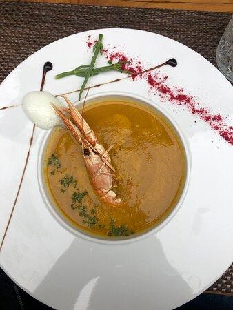 Fischeintopf - eigentlich eine Suppe mit einer Garnele und kleinen Stückchen Fisch, sonst püriert.