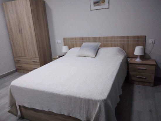 El Puerto de Santa María, España: Chambre très confortable avec du matériel tout neuf