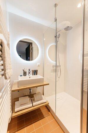 One-Bedroom Comfort - Bathroom