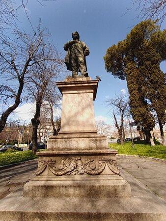 La statua del drammaturgo romano