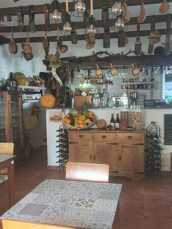 Cabeco De Vide, Portugal: Espaço típico e acolhedor