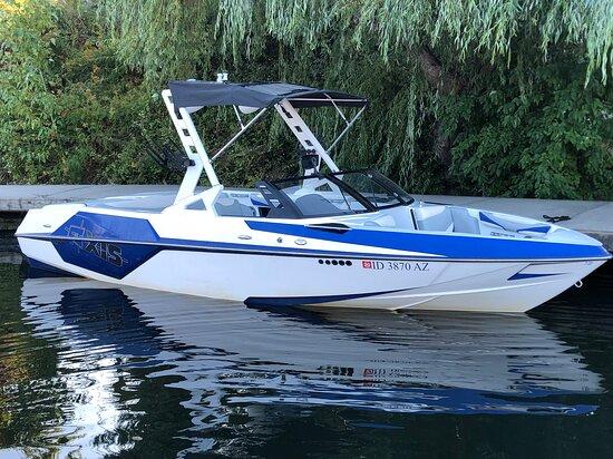 Sandpoint, ID: Water Sport Boat Rentals