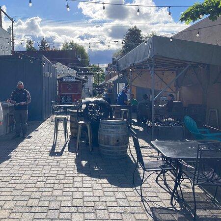 The Vault Taphouse / Kobold Brewing
