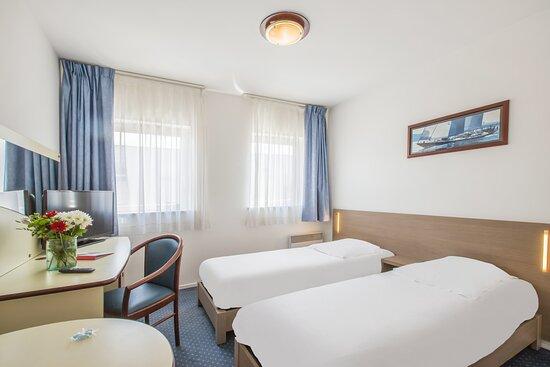 T1TW Standard Room