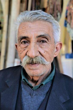 Mardin Province, Turkey: Abitante della provincia curda - Mardin - Turchia.  Cliccare sulla foto per vederla come scattata.