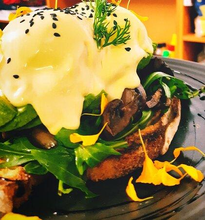 Eggs benedict vegetarian