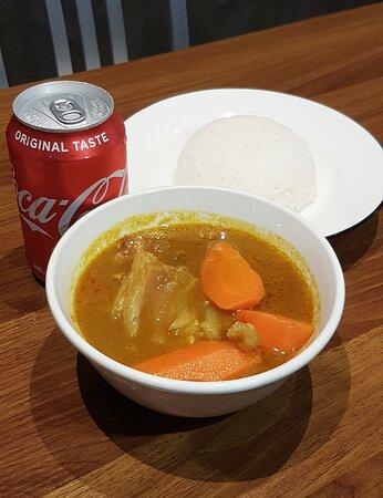 低溫慢煮咖喱安格斯牛筋腩飯