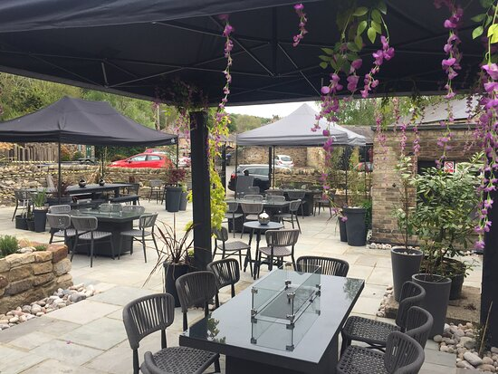 Shotley Bridge, UK: Our newly refurbished beer garden. Open for drinks now.  Al Fresco dining with a full menu relaunch from Friday 4th June 2021. 5 Firepit tables and 5 ice bucket bar tables available.