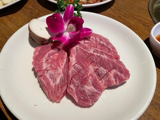 Premium Fresh S-Pure Pork Jowl Meat