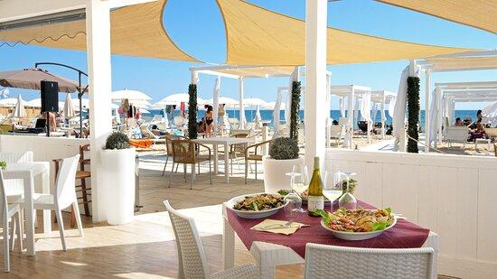 Fanum Pescoluse, pranzo vista mare..
