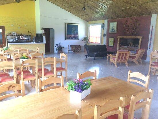 Penipe, Ecuador: amplio lugar para comer