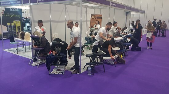 Have a seated massage eat your event/party/office.