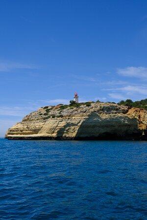 Benagil and Caves: Farol
