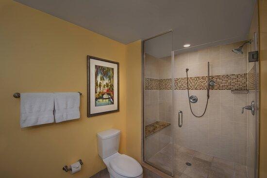Two & Three-Bedroom Villa - Master Bathroom