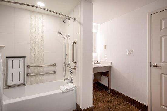 ADA handicap accessible suite with bathtub