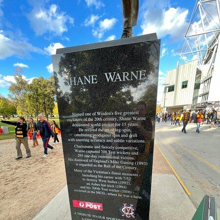 Shane Warne statue