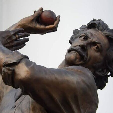 Dennis Lillee Statue
