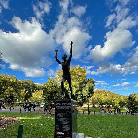 Kevin Bartlett Statue