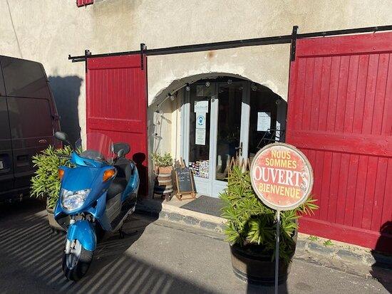 Saint-Nazaire-de-Ladarez, Frankrike: Pittoreskt