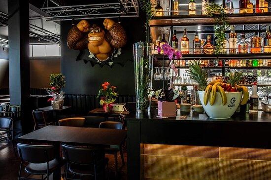 Fonte Nuova, Italy: Cocktail bar , BURGER americani e cucina italiana 😉