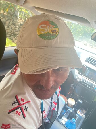 Naranjito, Costa Rica: Sñr Roger of Safari Adventures; Appreciated his attentiveness to his tour guests, his patience and teaching heart!  Thank you Sñr Roger!...... When you go to Costa Rica, you need to do one or more of the excursions offered - you just should.
