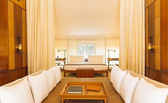 Aman-i-Khas Luxury Tent interior