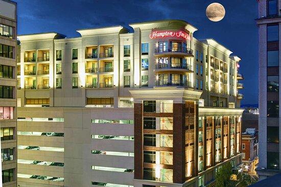 Hampton Inn & Suites Roanoke - Downtown