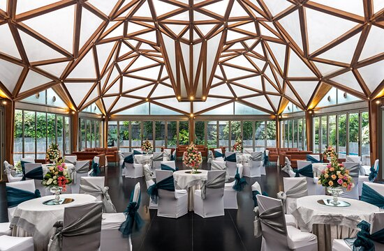 The Glass House : Banquet for the most Luxurious weddings