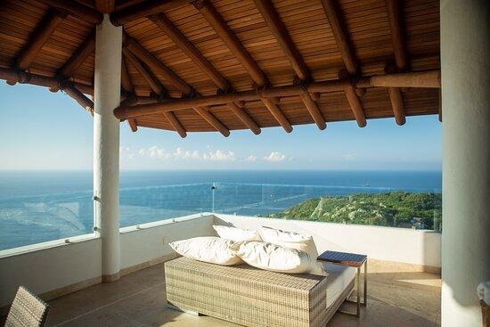 Three-Bedroom Penthouse - Terrace