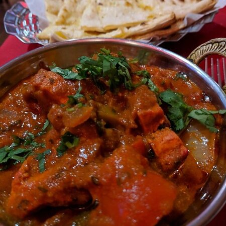 Cookstown, UK: Chicken tikka jalfrezi.. fairly hot cooked with mix herbs 🌿 and spices in a thick sauce... good with rice or naan bread ...