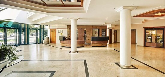Steigenberger Hotel and Spa, Krems, Austria - ReceptionLobby