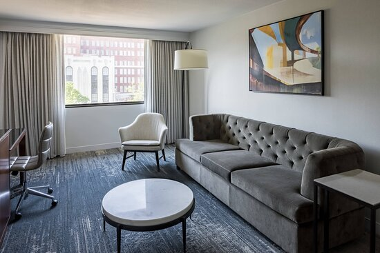 One-Bedroom Accessible Suite - Living Room