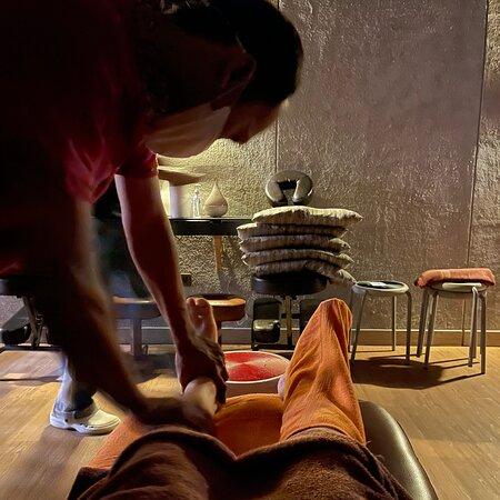 Energy Massage Bar & Reflexology Bar