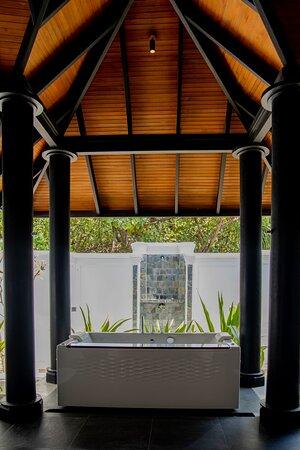 JA Manafaru I Two Bedroom Beach Residence with Family & Private Pool (Second Master - Bathroom)