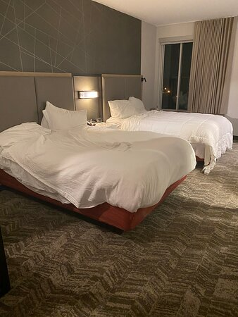 Horrible Customer Service and Housekeeping