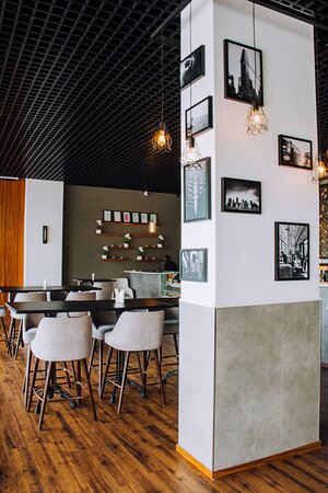 Dar es Salaam, Tanzania: Cozy environment to work, dine in or have a meeting