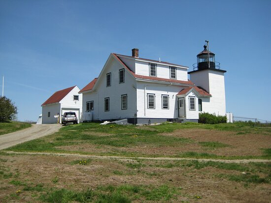 Stockton Springs, ME: Fort Point lighthouse in the state park including the remains of Fort Pownall.  Picnic tables and grills available.