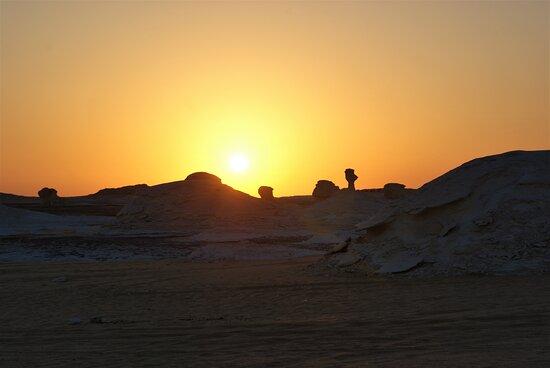 4-Day White Desert Camping Trip from Cairo: White Desert - Sunrise - 2017