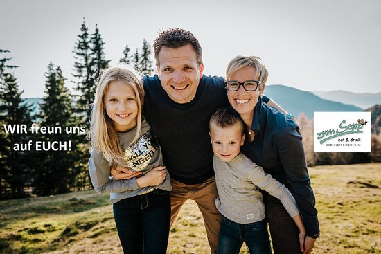 Die Wirtfamilie - mit Christian & Birgit, Johanna und Thomas - samt dem #zumseppbkk Team freut sich auf Euren Besuch!